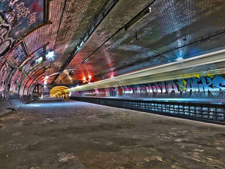 ancienne_station_de_mtro_croix_rouge.jpg