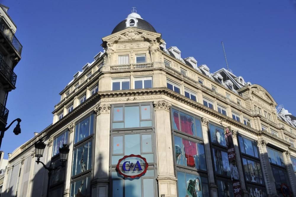 51ac78fd850 C A pourrait fermer 14 magasins en France - Business Immo