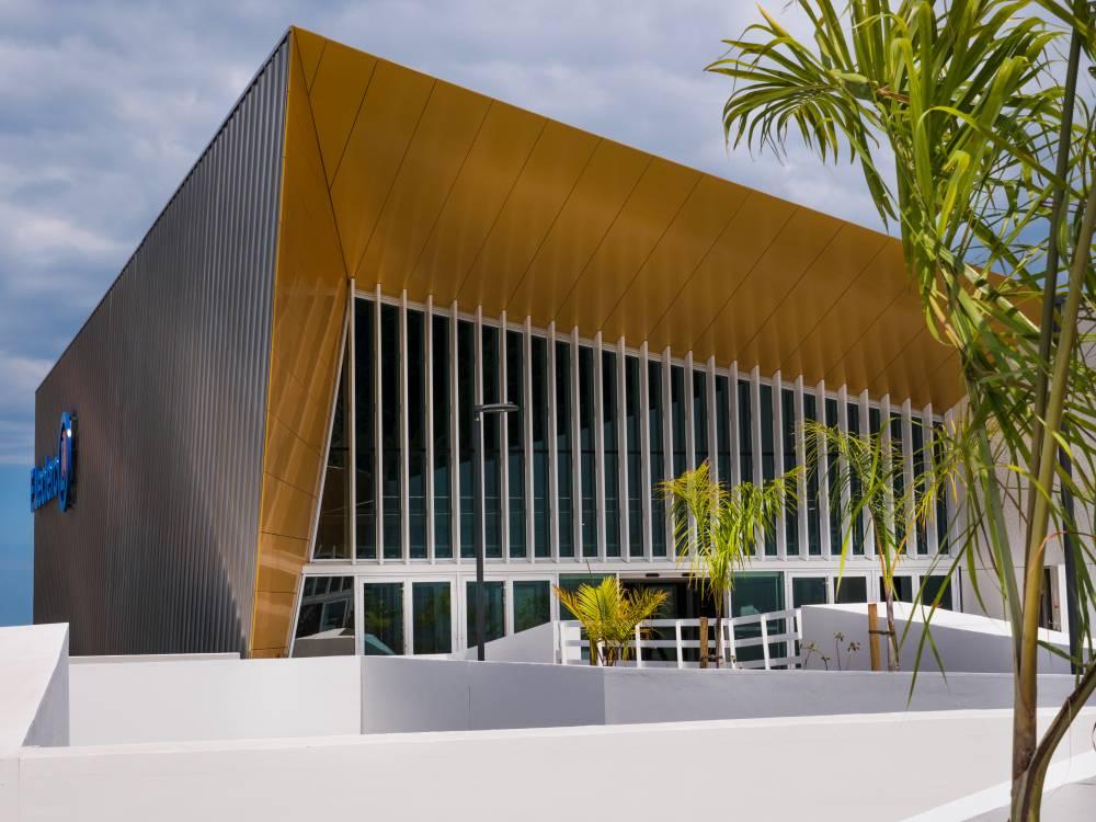Centre commercial E. Leclerc à Saint-Joseph co-créé et co-détenu par CBo Territoria
